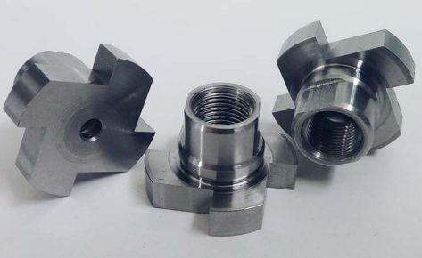 Toczenie i frezowanie drobnych detali ze stali