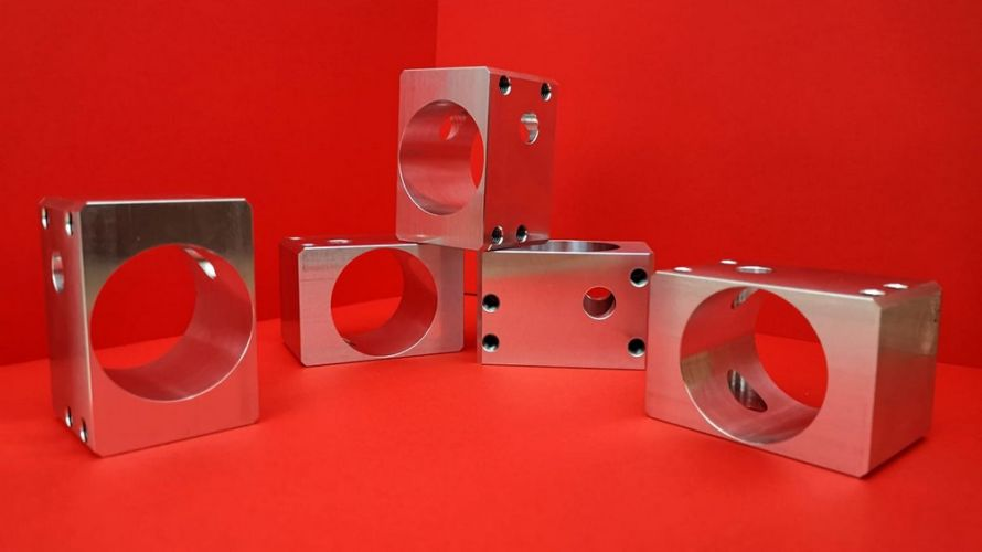 Adaptery z aluminium PA4